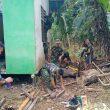 Warga Bantu TNI Bangun Pondasi Jamban