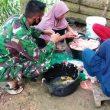 Rasa Kekeluargaan dan Kebersamaan Satgas TMMD Aceh Barat Bersama Ibu Angkat