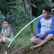 Kerinduan Anak-anak Desa Beringin Rayo kepada Anggota TMMD Kodim Ketapang