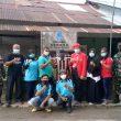 Kelurahan Pasiran Bersama Asuransi AIA Peduli Bagikan Masker ke Masyarakat