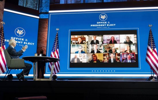 Tim Biden Cela Ketiadaan Akses ke Data Resmi COVID