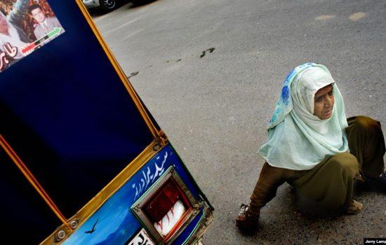Perempuan Disabilitas Pakistan Berkomitmen pada Pendidikan Anak Perempuan
