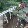 Jembatan Penghubung Antar Desa Jemasih dan Desa Cisuerueh Brebes Ambruk