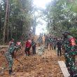 Kebersamaan Satgas TMMD dan Warga, Bentuk Kedekatan TNI dengan Rakyat