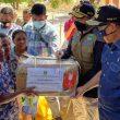 Wagub Sumbar Audy Joinaldy Antarkan Langsung Bantuan 1,5 Ton Rendang dan 750 Juta Uang Tunai ke Korban Badai Siklon Tropis Seroja NTT
