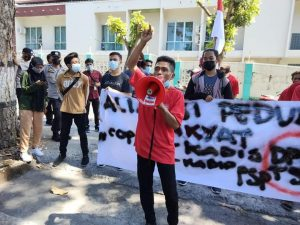 Petani dan Mahasiswa Gelar Aksi, Dorong Bupati Lombok Timur Copot Pejabat Tidak Becus