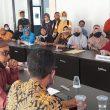 Ratusan Guru Honorer di Lombok Timur Tuntut Walas Kasih Pemda