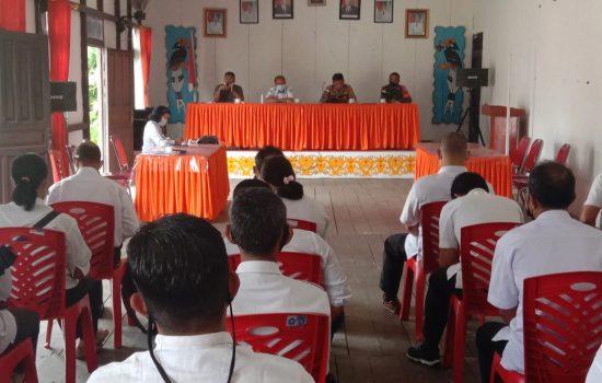 Melalu sosialisasi pemilihan pengurus kwarcab Pramuka Plh danramil 1204-03/ Beduai juga mensosialisasi kan teantang penting ny mematuhi protokol kesehatan