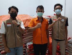 Relawan Kemanusiaan Dampingi PT Pos Indonesia Salurkan BST dan PKH di Kabupaten Landak