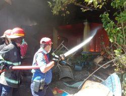 Lima Rumah di Padang Ludes Terbakar
